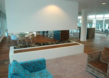 Vrij hangende openhaard in Kantorencomplex Amstelveen